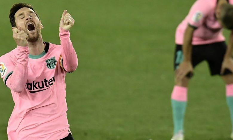 Lionel Messi Dimusuhi dan Bikin Panas Ruang Ganti Barcelona - MamaBola
